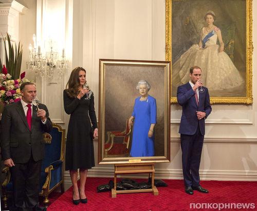 Кейт Миддлтон и принц Уильям оценили портрет Елизаветы II