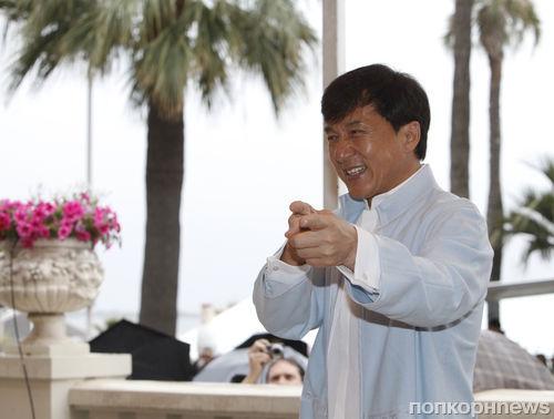 Джеки Чан не может бросить боевики