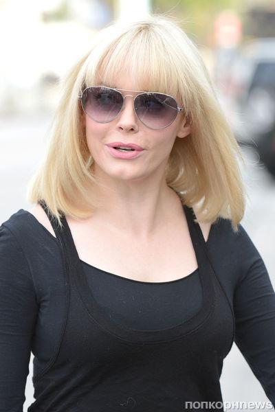 Роуз МакГауэн стала блондинкой