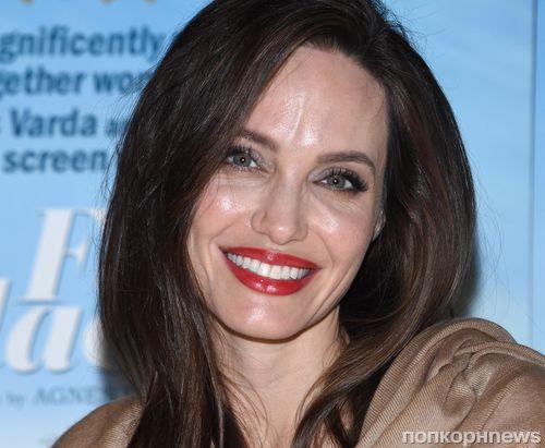 Анджелина Джоли на премьере документальной ленты «Лица, деревни»