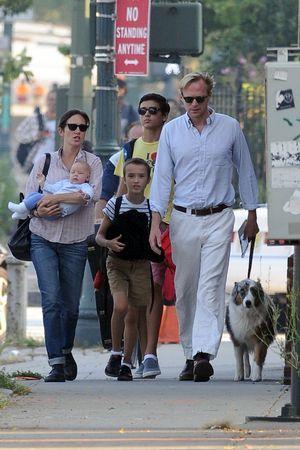 Дженнифер Коннели и Пол Беттани с  дочкой Агнес