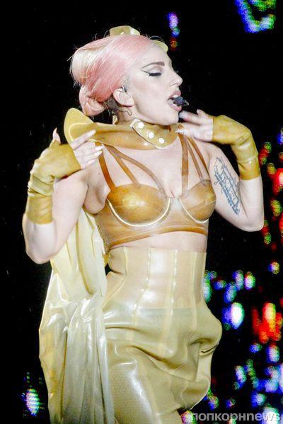 Lady Gaga сделала новую татуировку