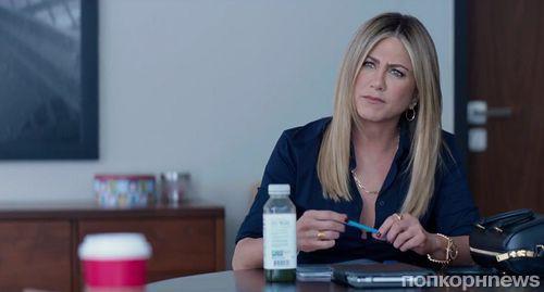 Дженнифер Энистон в дебютном трейлере комедии «Рождественская вечеринка в офисе»