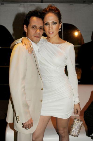 Дженнифер Лопес с мужем на показе Versace и на игре Miami Dolphins