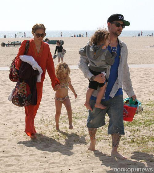 Николь Ричи с семьей в Санта-Монике