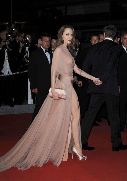 Анджелина Джоли не попала в список лучших нарядов