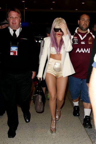 Lady GaGa в Сиднее: трусам везде у нас дорога