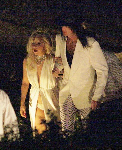 Lady Gaga с бойфрендом в Греции