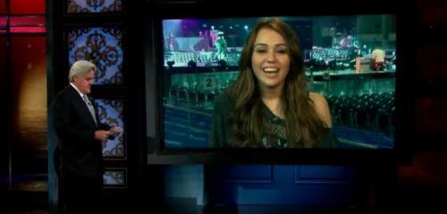 Видео: Майли Сайрус на шоу Джея Лено