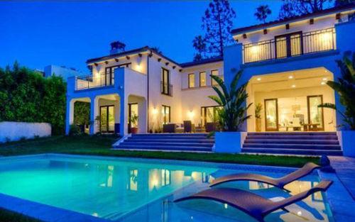 Чарли Шин купил особняк в Беверли-Хиллз за 7,5 миллионов долларов