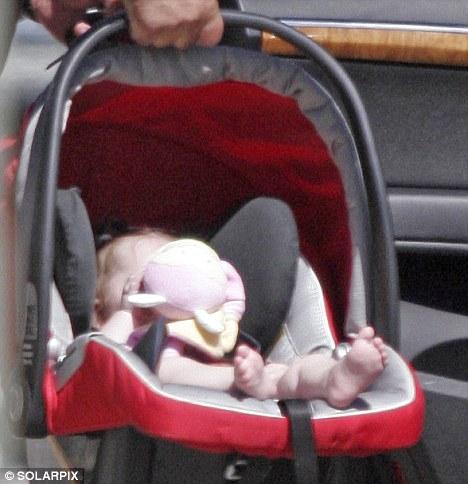 Первое фото сына Криштиану Роналду: да у него твои ножки, Криштиану!