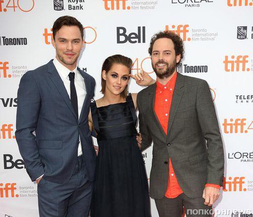 Кристен Стюарт и Николас Холт на премьере фильма «Равные» в Торонто