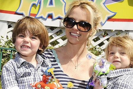 Бритни Спирс хочет вернуть своих сыновей