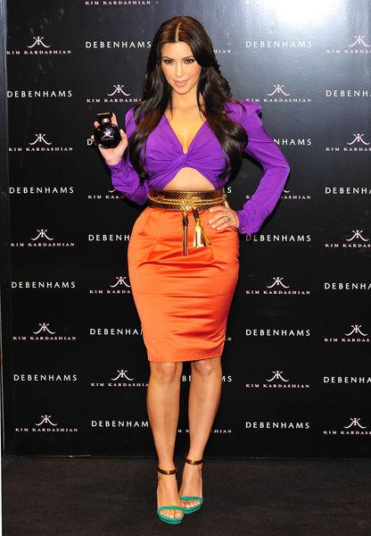 Ким Кардашиан представила новый аромат в Лондоне