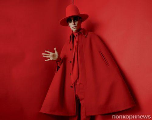 Эдди Редмэйн предстал в неожиданном образе для фотосессии Vogue