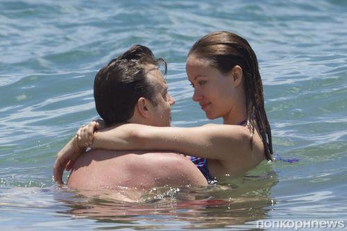 Оливия Уайлд и Джейсон Судейкис на гавайском пляже