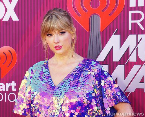 Тейлор Свифт, Кэти Перри, Крис Прэтт и другие звёзды на iHeartRadio Music Awards