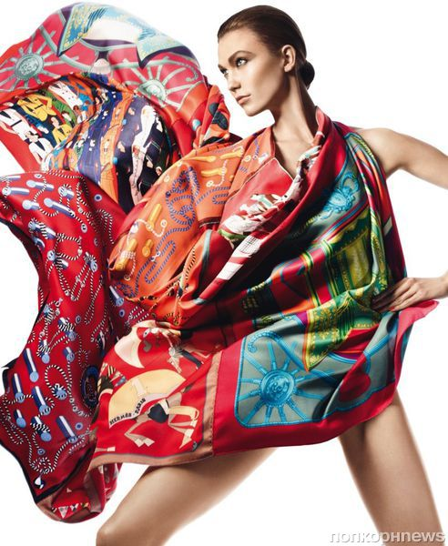Карли Клосс в лукбуке Hermès. Весна / лето 2013