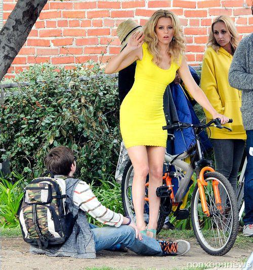 Элизабет Бэнкс на съемках фильма Walk of Shame