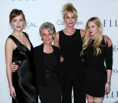 ������ �� ������  Women in Hollywood Awards  � ���-���������