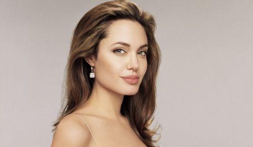 """Анджелина Джоли отказалась от """"Гравитации"""""""