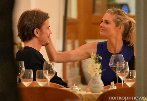 Джош Харнетт устроил любимой романтический отпуск в Италии