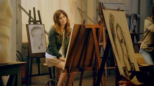 Рэйчел Билсон в рекламном ролике мороженого Magnum, снятом Карлом Лагерфельдом