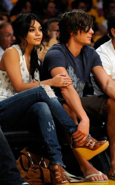 Зак Эфрон и Ванесса Хадженс болеют за Lakers