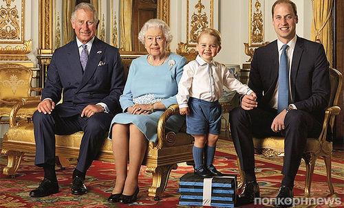 Британская королевская семья выпустила официальное фото с наследниками престола