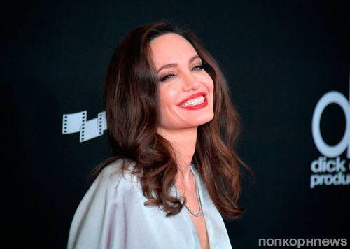 Анджелина Джоли, Марго Робби, Кейт Уинслет и множество других звезд на Hollywood Film Awards 2017