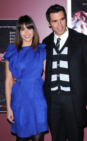 """Джессика Альба с мужем на премьере """"Сделано в Америке"""""""
