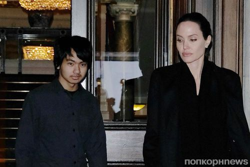 Анджелина Джоли привела сына на экскурсию в Букингемский дворец