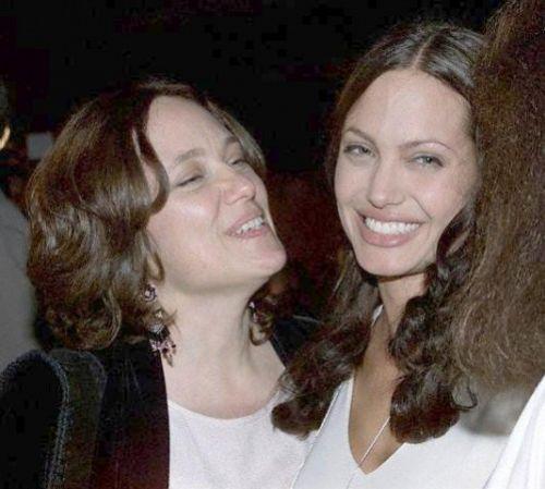 Эндрю Мортон написал всю «правду» об Анджелине Джоли
