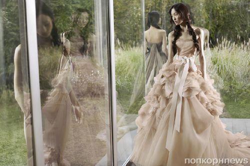 Первый взгляд на новую рекламную кампанию Vera Wang. Весна / лето 2012