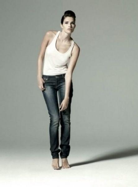 Новая коллекция джинс от Виктории Бэкхем