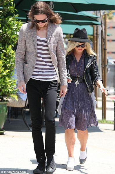 Келли Осборн и Антон Ломбарди в Западном Голливуде
