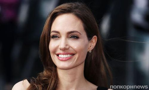 Анджелина Джоли призвала подростков «бороться за свои права»