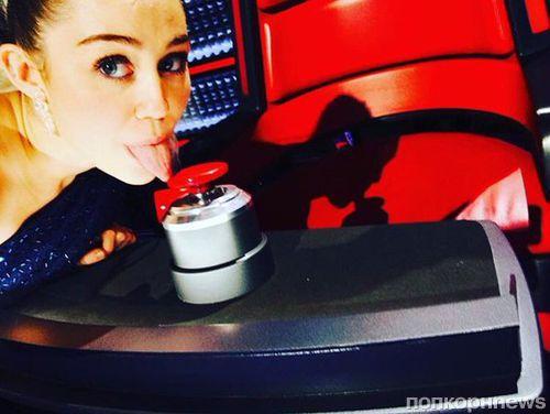 Певица Майли Сайрус стала консультантом на шоу «Голос»