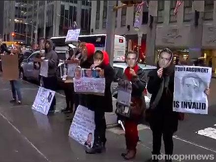 Поклонники Райана Гослинга протестуют против Брэдли Купера