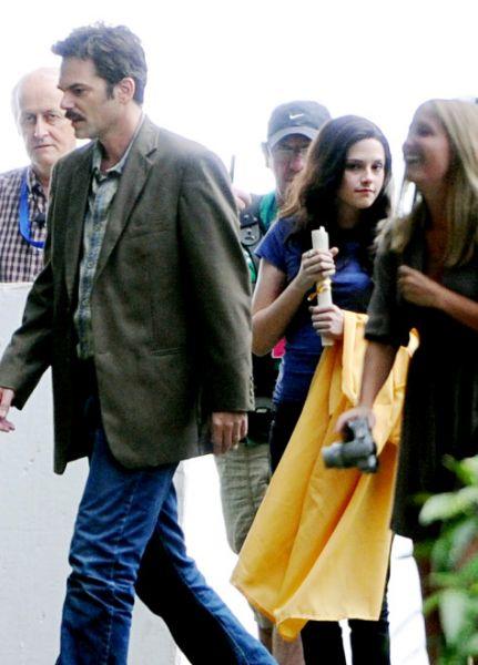 Кристен Стюарт на съемках «Сага Сумерки: затмение»