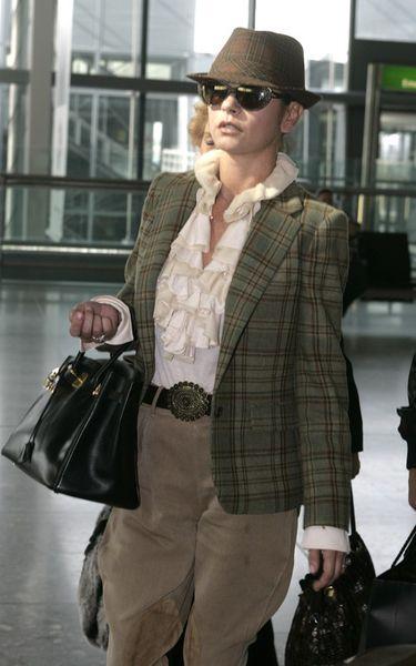 Кэтрин Зета-Джонс срочно вернулась к больному Майклу Дугласу