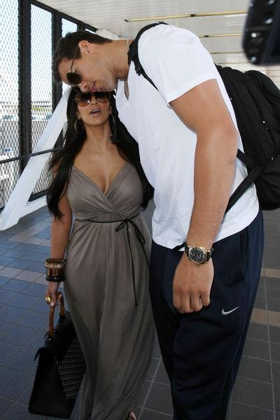 Ким Кардашиан и Крис Хафрис отправились в медовый месяц