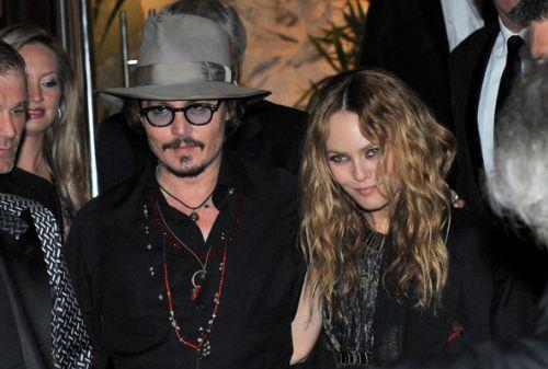 Джонни Депп и Ванесса Паради в клубе  VIP