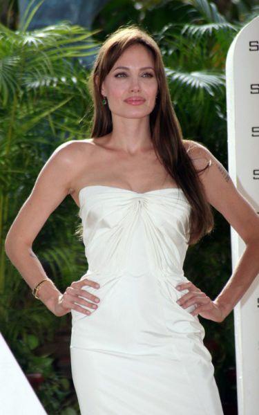 """Анджелина Джоли представила """"Солт"""" в Мексике"""