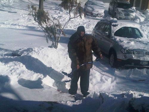 50 Cent вооружился лопатой