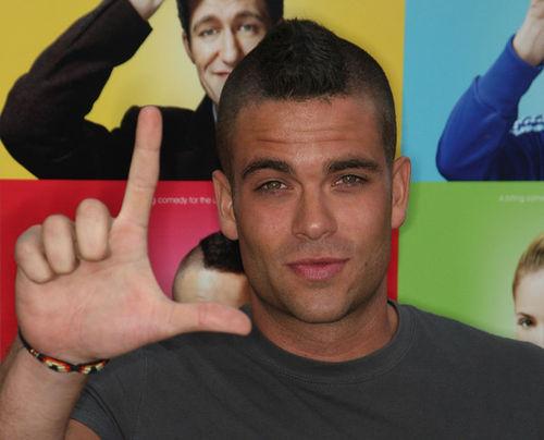 Playgirl заплатит 100 000 долларов за обнаженные фото актерам из «Хора / Glee»