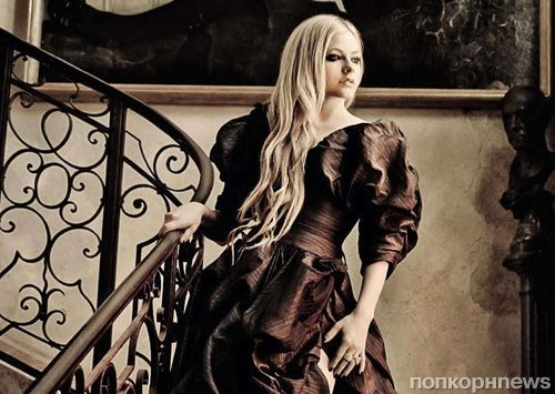 Аврил Лавин в журнале Glamour Италия. Август 2013