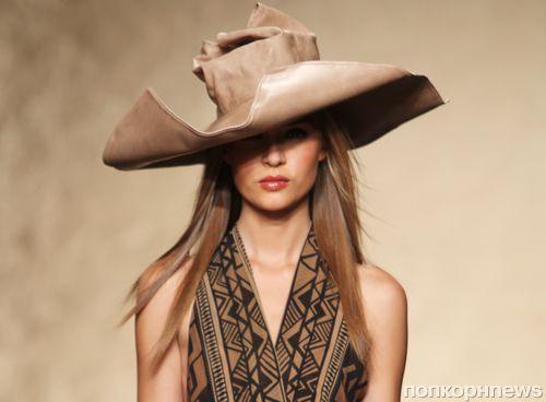 Модный показ новой коллекции Donna Karan. Весна / лето 2014