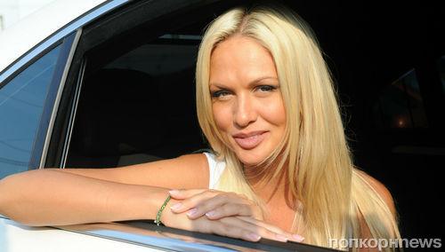 Викторию Лопыреву заподозрили в беременности