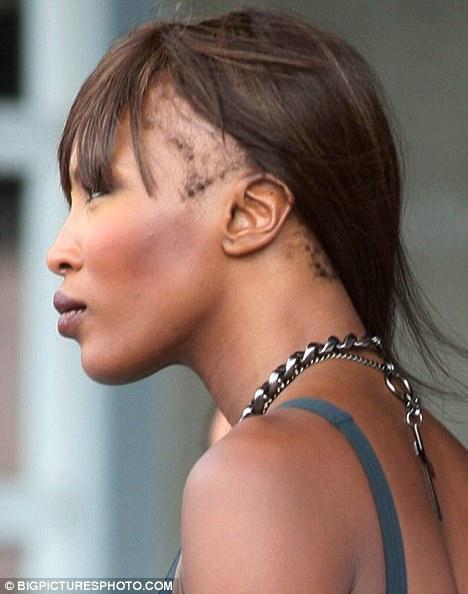 Наоми Кэмпбелл теряет волосы?